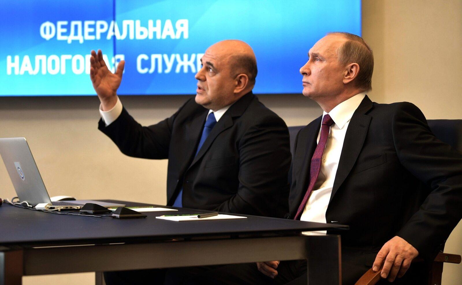 Путин и Мишустин начнут спасать экономику после голосования