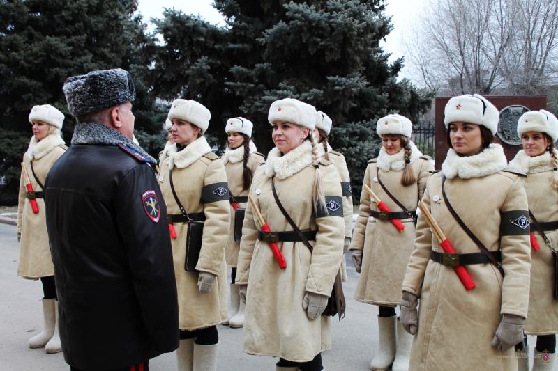 2 февраля на дороги Волгограда выйдут девушки-регулировщицы