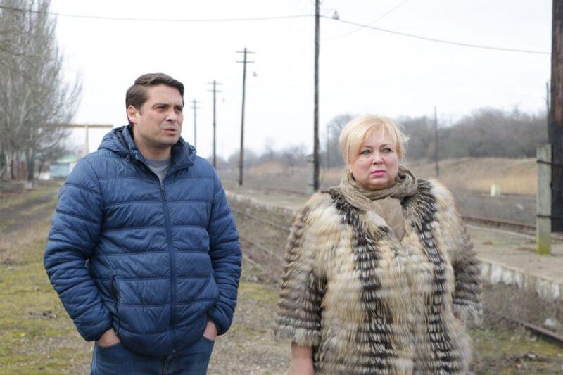 «Зимой батоны, летом чебуреки раздаёте»: в Сети придумали, как спасти репутацию крымских чиновниц