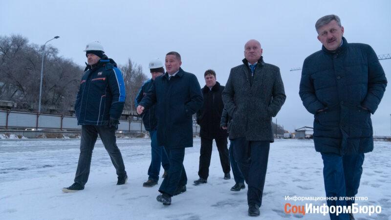 «Весной будет совсем по-другому»: губернатор проинспектировал реконструкцию набережной Волгограда