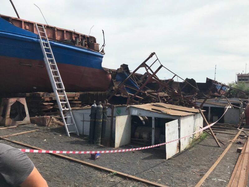 2 года колонии за смерть 3 рабочих: приговор по делу о взрыве на барже в Волжском не изменили