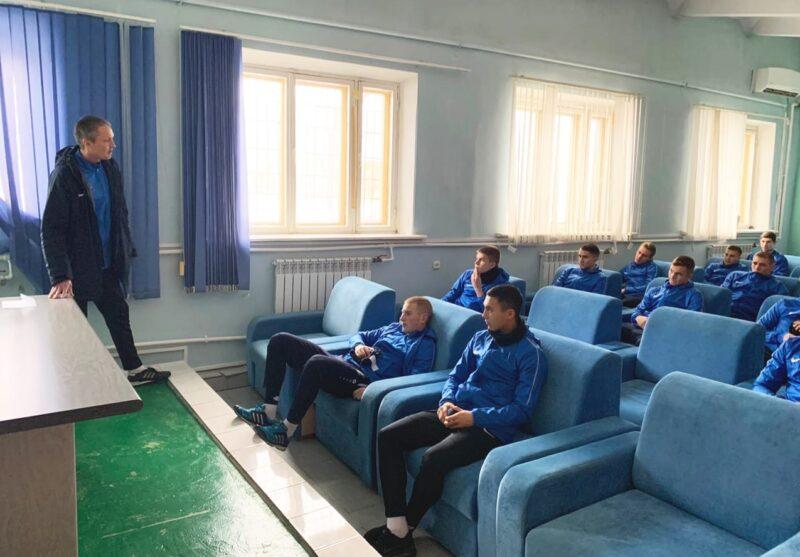 Полмиллиона за 20 дней: стало известно, сколько потратят на питание футболистов волгоградского «Ротора»