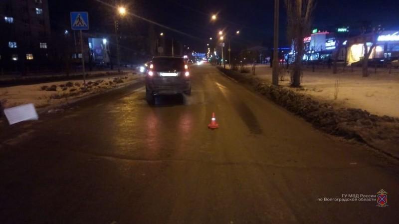 Два пешехода оказались под колесами машин в Волгоградской области