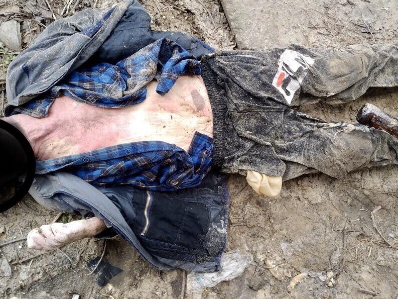 Волгоградцев просят по татуировкам и одежде опознать найденного мертвым мужчину