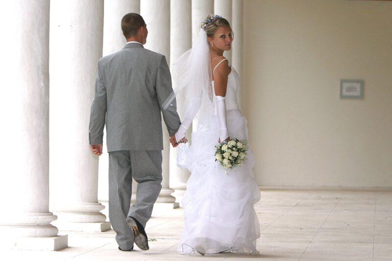 В России стали больше жениться и меньше разводиться