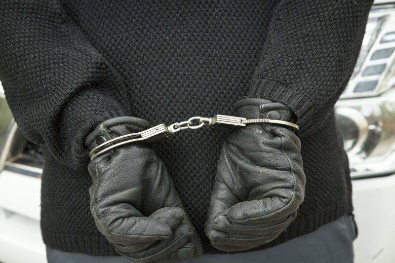 Под Волгоградом поймали похитителей военных наград