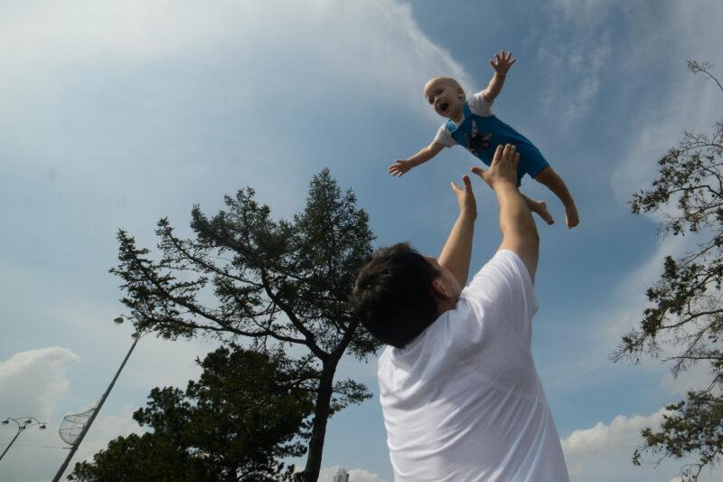 В Волгоградской области увеличились пособия для мам и детей