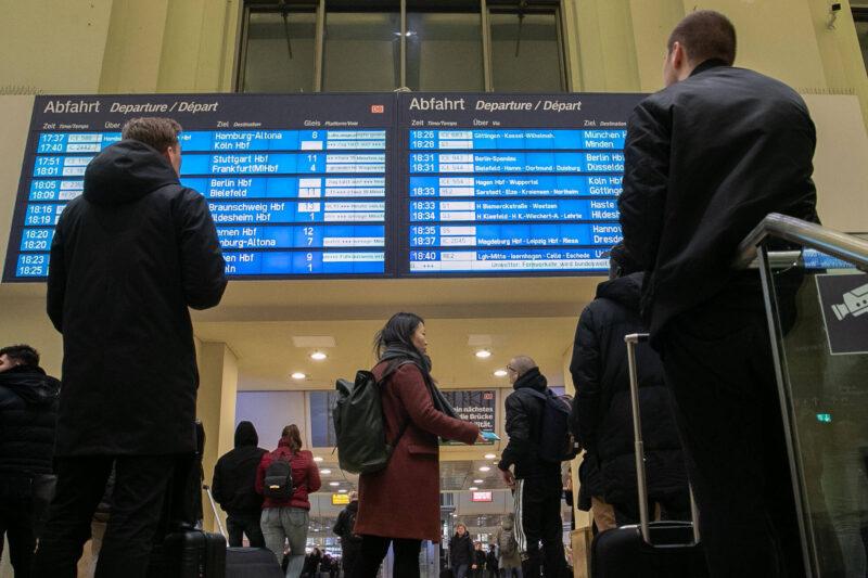 В Волгограде опубликовано новое расписание поездов до Москвы и Санкт-Петербурга