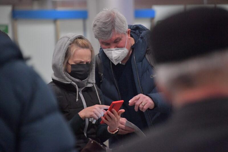 С 18 марта иностранцев перестанут пускать в Россию