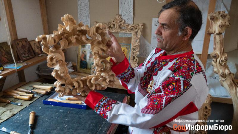 «Приходилось и пастухом наниматься ради творчества»: создатель домашнего музея под Волгоградом рассказал о своём уникальном проекте