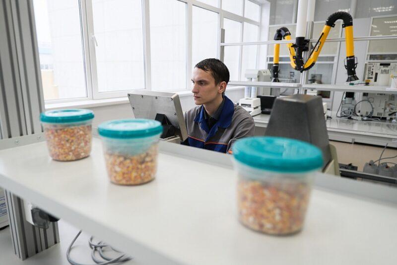 Настоящий «космический корабль»: в Волгоградской области открывается кукурузный завод
