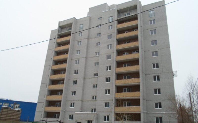 Обманутым дольщикам в Волгограде снова пообещали достроить дом на улице Рыкачева