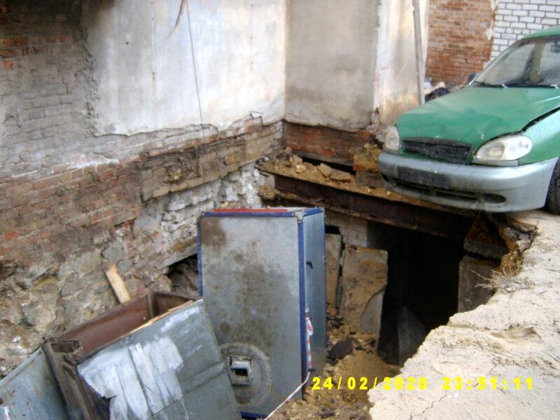 ЖКХ по-волгоградски: стали известны подробности о доме с провалом