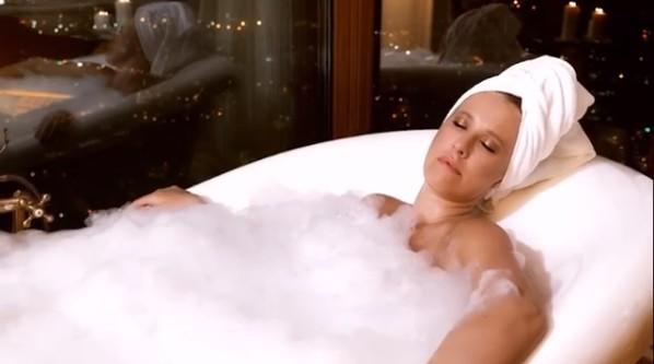 «А секс будет?»: Ксения Собчак взбудоражила пользователей новым видео из ванной