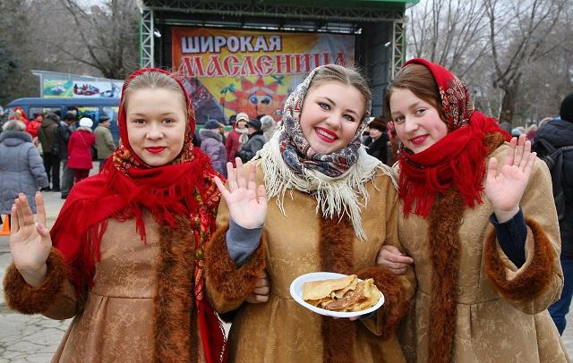 Волгоградцам предстоит съесть более 3000 блинов на конкурсе блинопеков