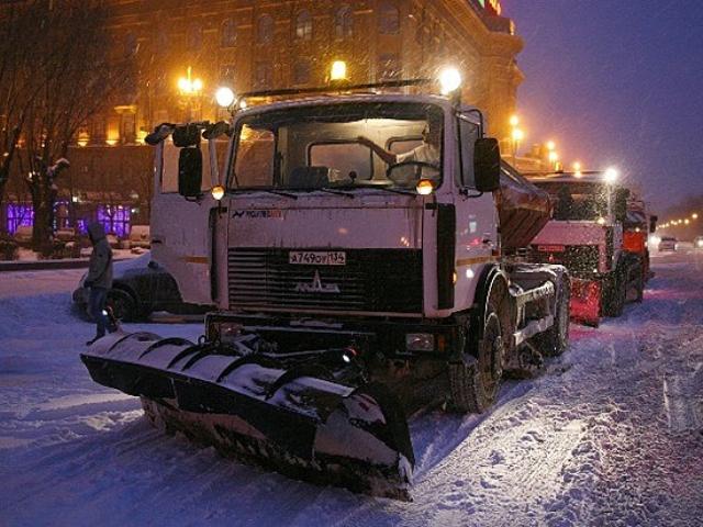 В Волгограде и в Волжском рапортовали об уборке дорог от снега