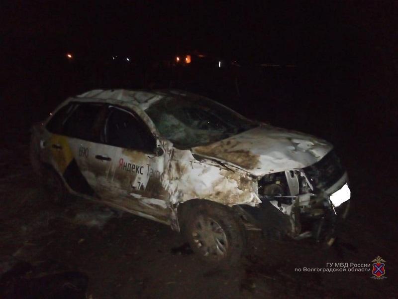Пьяный водитель «Яндекс. Такси» в хлам разбил машину и покалечился в ДТП в Волжском