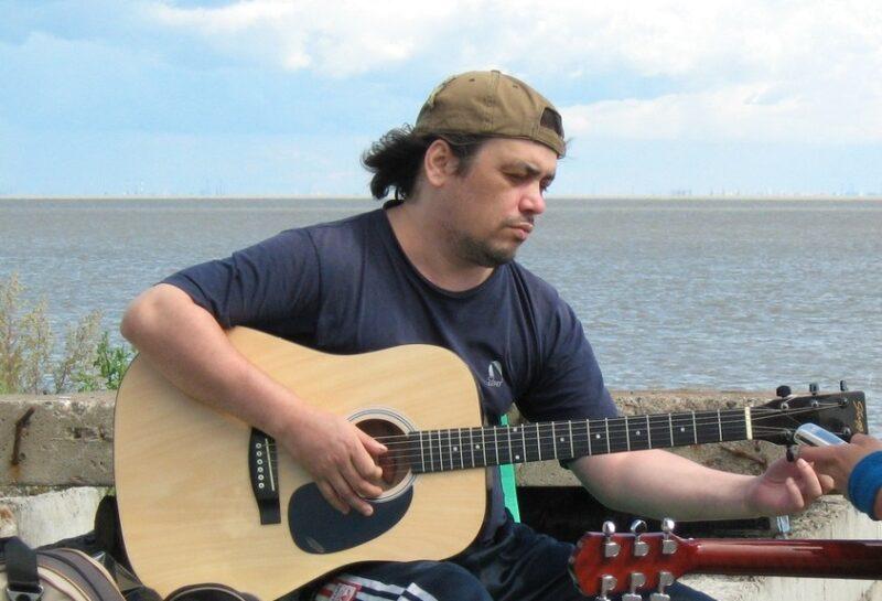 «За спиной два крыла»: волгоградский музыкант Сергей Хайлов умер в Санкт-Петербурге