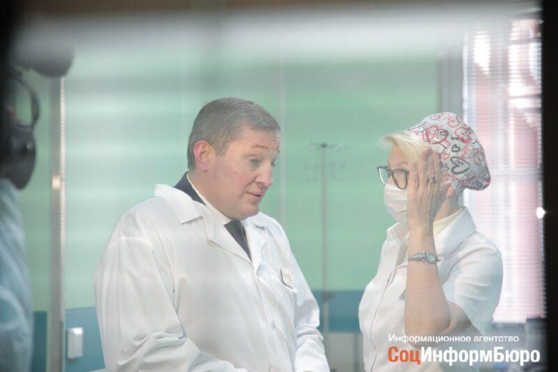 В Волгоградской области могут разрешить работу стоматологий и непродовольственных магазинов