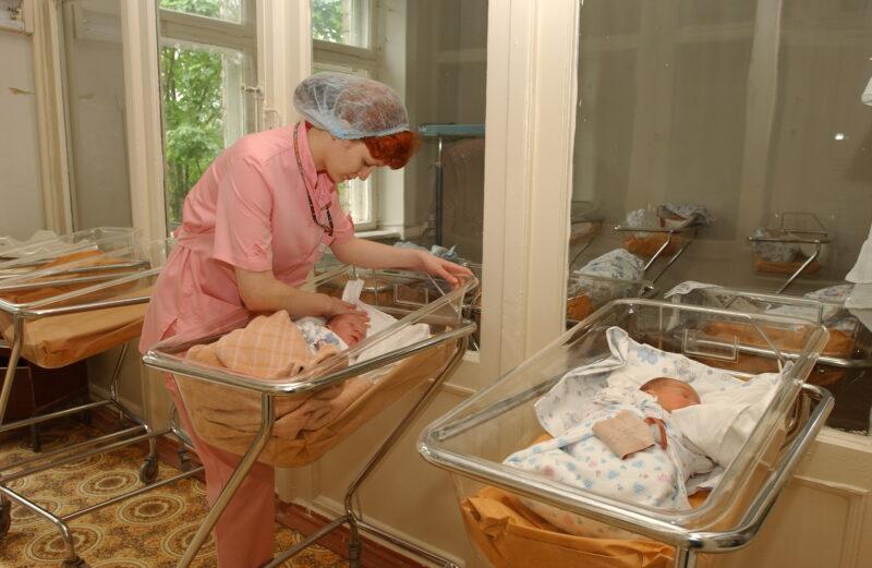 29 февраля в Волгограде и регионе родилось 33 малыша