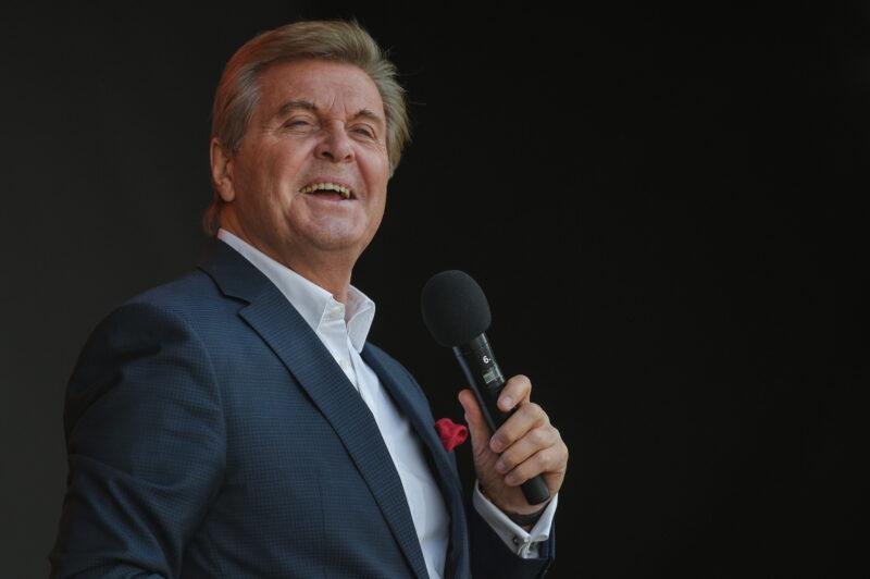 Льву Лещенко не могли вызвать врача на дом