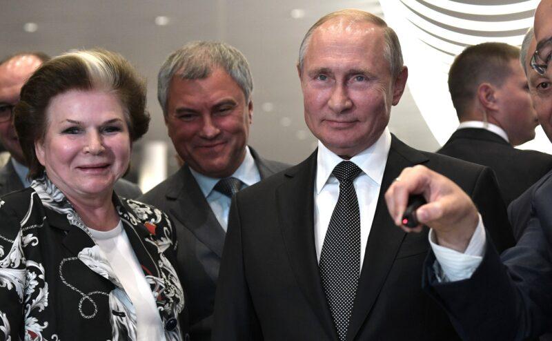 «Чтобы Путин был рядом». В Госдуме ждут выступления президента