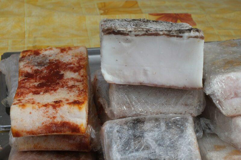 В Быково в мясном павильоне обнаружили сомнительную продукцию