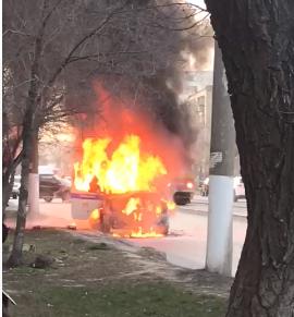 В Дзержинском районе сгорела полицейская ГАЗель