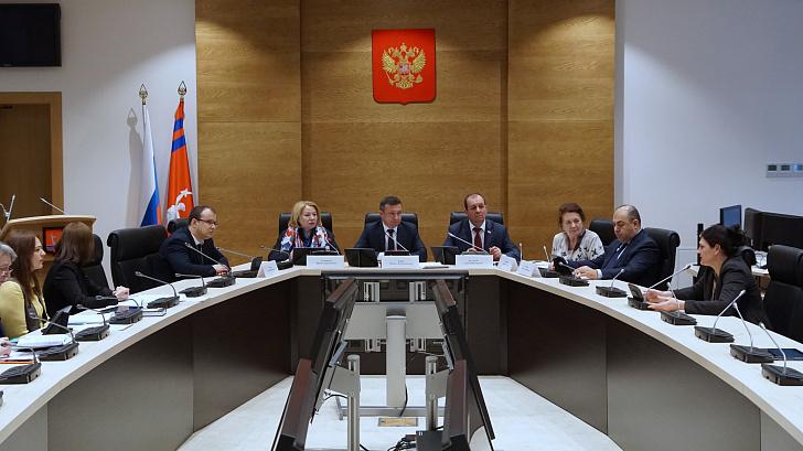 Профильный комитет одобрил положение о проведении опроса по вопросу волгоградского и московского времени