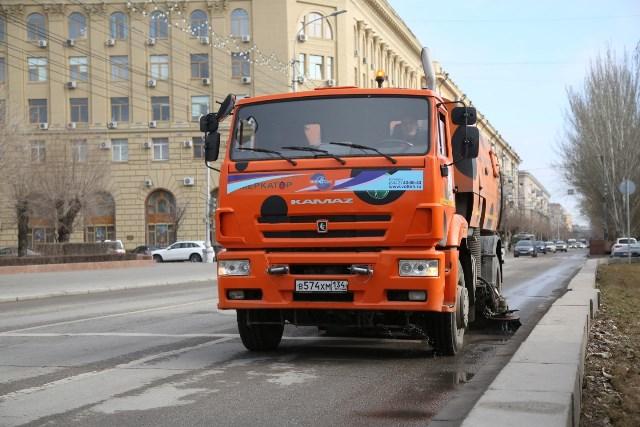 Мэрия Волгограда отчиталась об уборке дорог и тротуаров