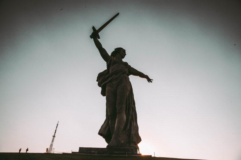 В Волгограде не выполняются указы Путина?