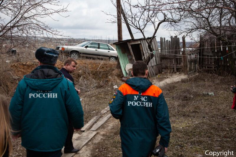 Целая семья чуть не погибла в пожаре под Волгоградом. Дедушку спасти не удалось