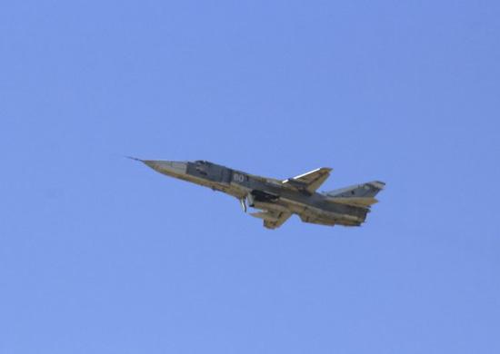 В небе над Волгоградом бомбардировщики Су-24М выпустят неуправляемые ракеты