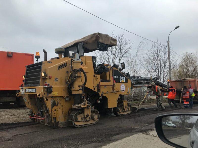 В частном секторе Кировского района начали ремонтировать дороги