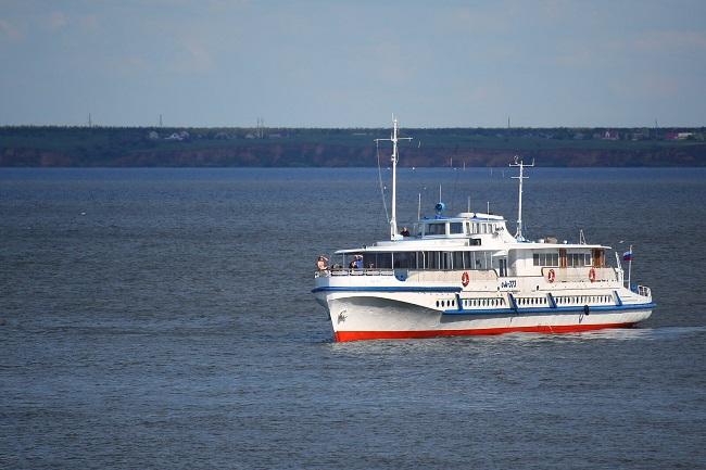 Дачников с острова Сарпинский эвакуировали двумя кораблями