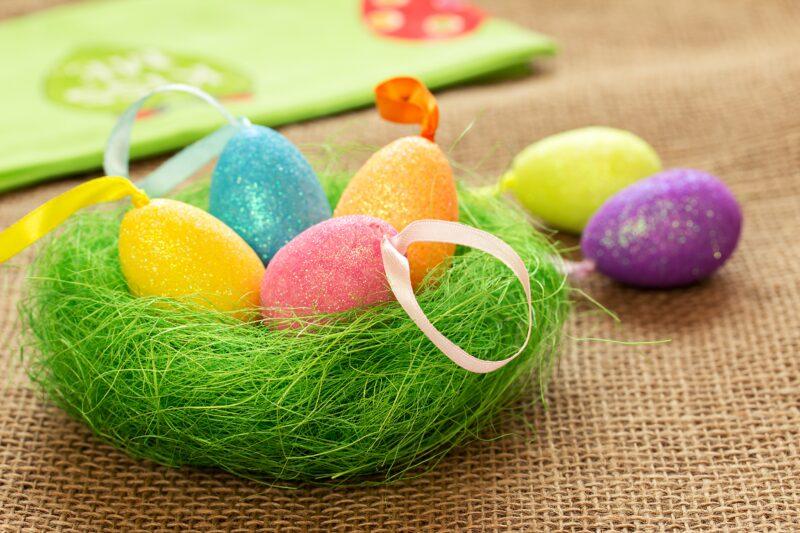 «Яйца должны быть ровными и гладкими»: Роспотребнадзор объяснил, как выбрать продукты к Пасхе