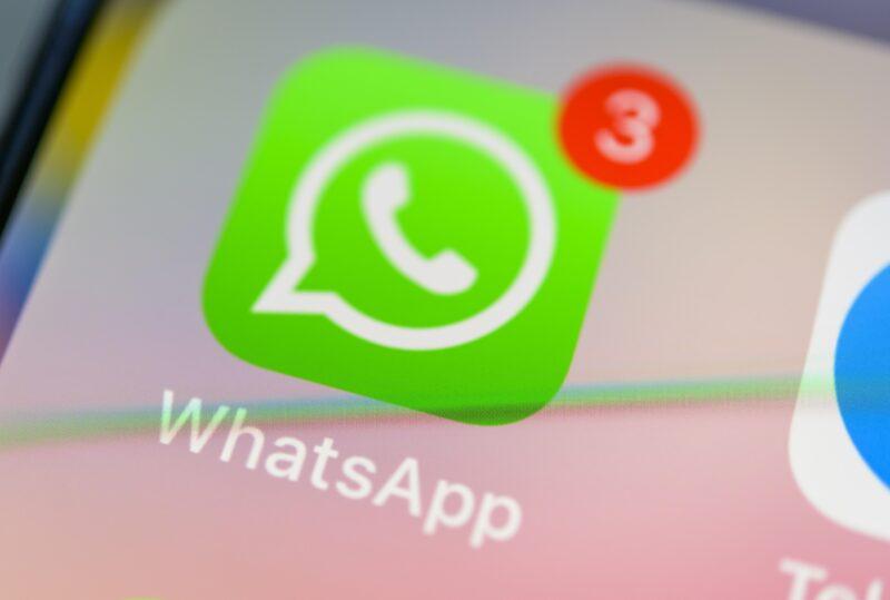 Мессенджер WhatsApp ограничил пересылку сообщений