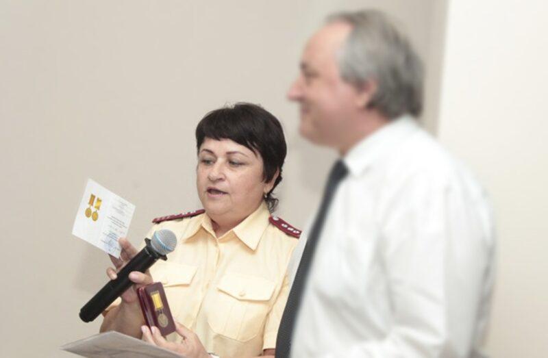 «В каждом районе есть больные»: главный санитарный врач региона рекомендует гражданам начать «переживать»