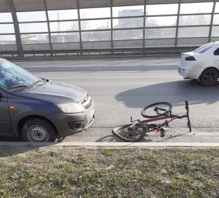 В Волгограде парень на «Ладе» сбил школьницу на велосипеде у ТРК «Европа»