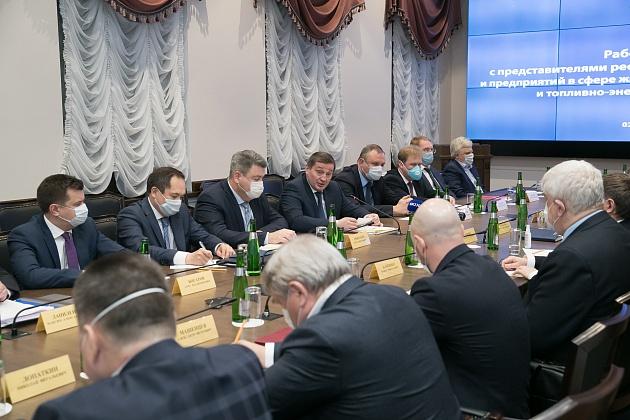 Андрей Бочаров рассказал об адресной поддержке волгоградцев в период пандемии