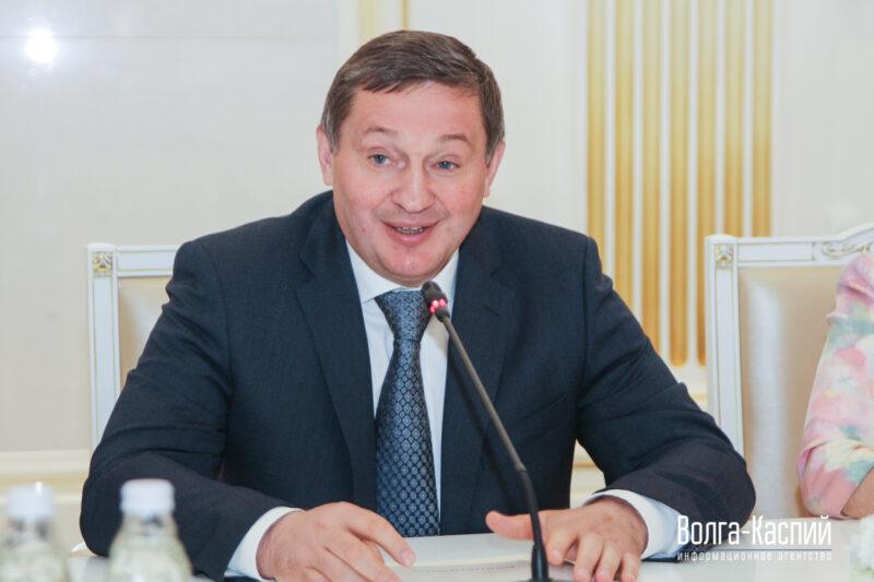 Бочаров высказался об открытии детских садов и проведении Парада Победы в июне