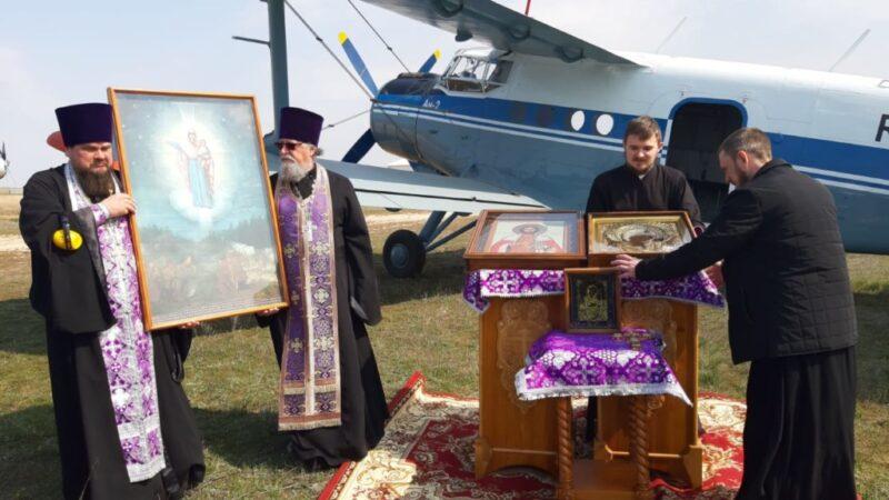 Над Волгоградской областью проходит воздушный крестный ход