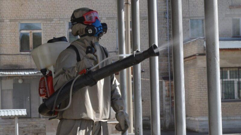 Почти 15 тонн дезинфицирующих средств раздали волгоградским управкомпаниям