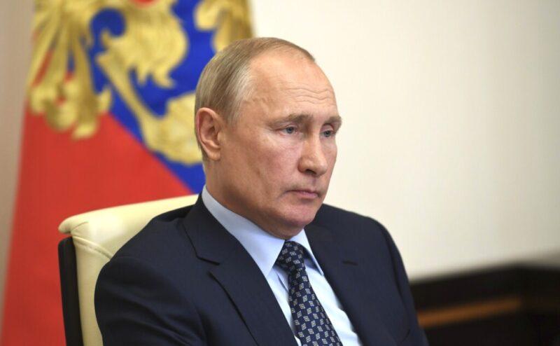 СМИ: Владимир Путин назвал дату Парада Победы