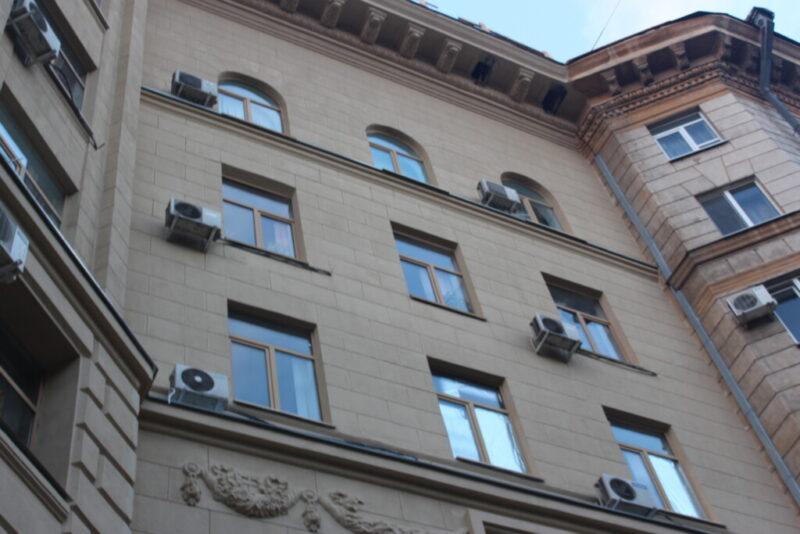 Сомнительная реклама окон, которая заинтересовала УФАС Волгограда, все ещё в эфире
