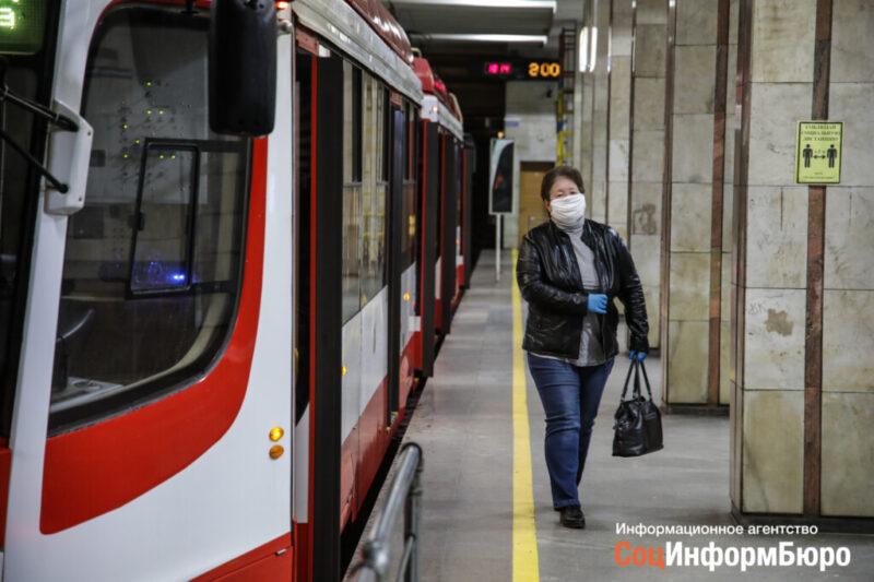 В волгоградском метро стали продавать маски и перчатки