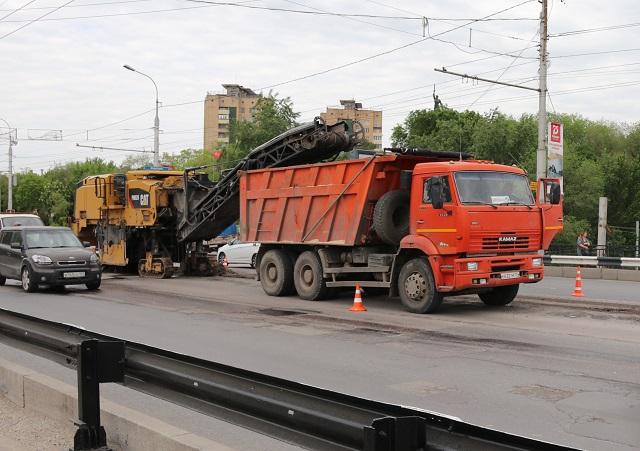 На Астраханском путепроводе начался ремонт