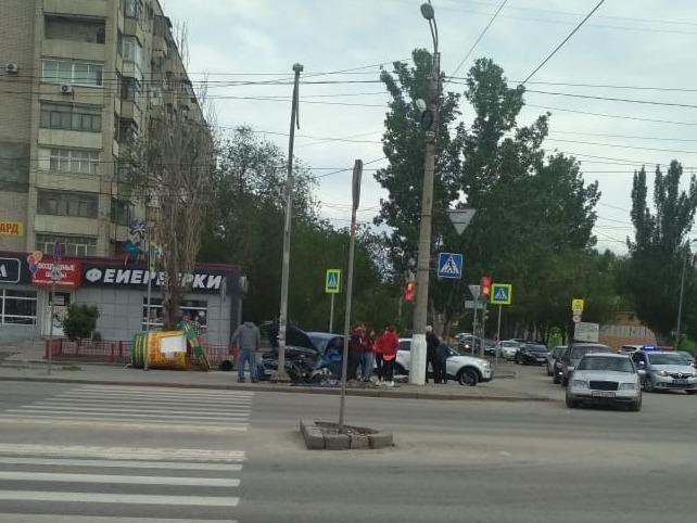 В ДТП в Волгограде пострадала бочка с квасом