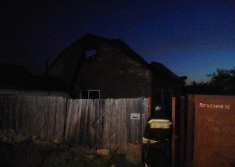 Волгоградец, спасая внуков, погиб при пожаре, а его пожилая мать сгорела заживо