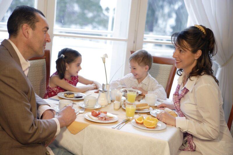 «На еду для семьи»: Волгоградские родители рассказали, на что потратили «детские» 10 тысяч